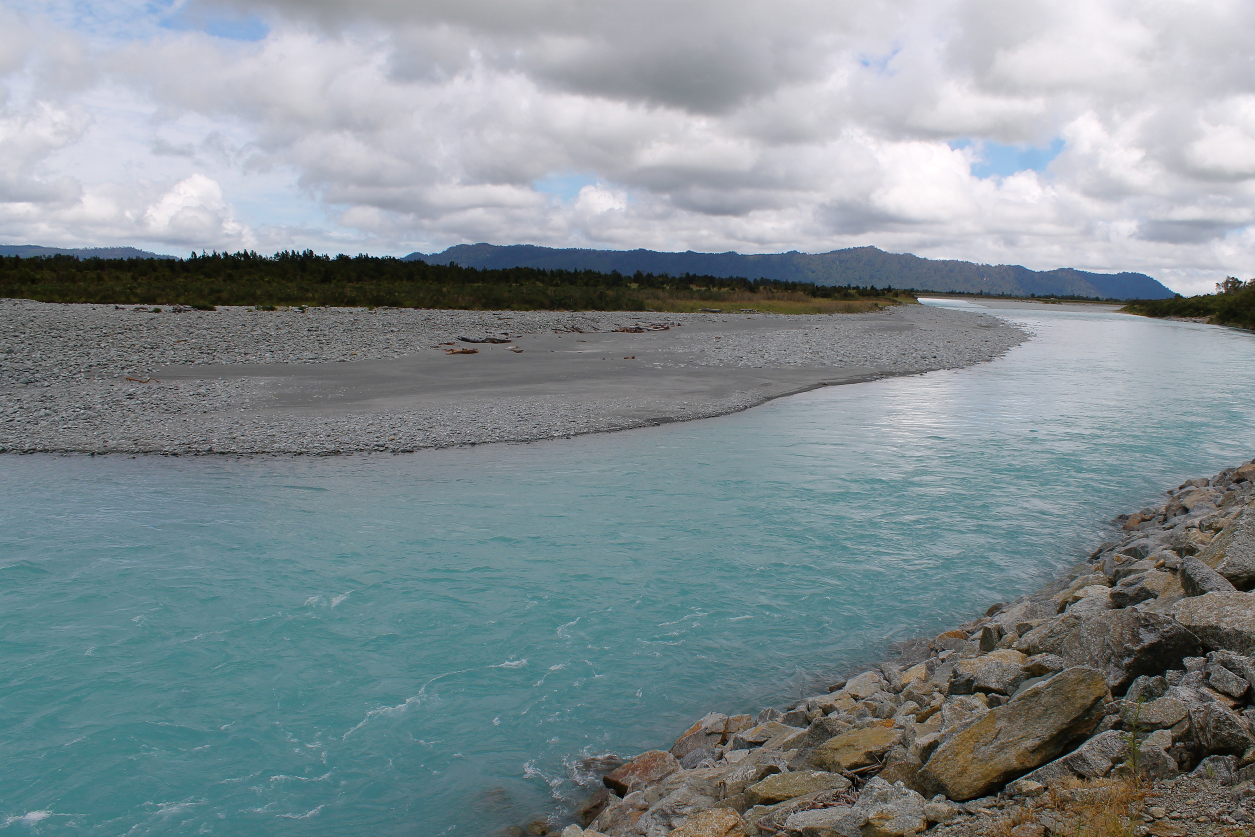Tiny glacier rock particles mixed in the water creates theblue Gatoradewater.