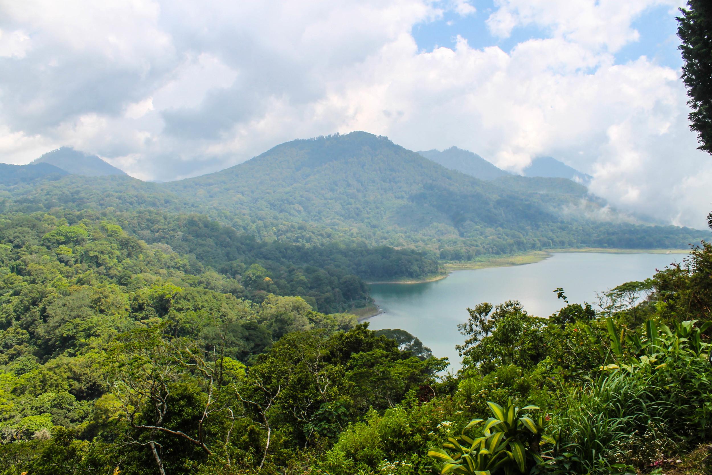 bali-mountains-north