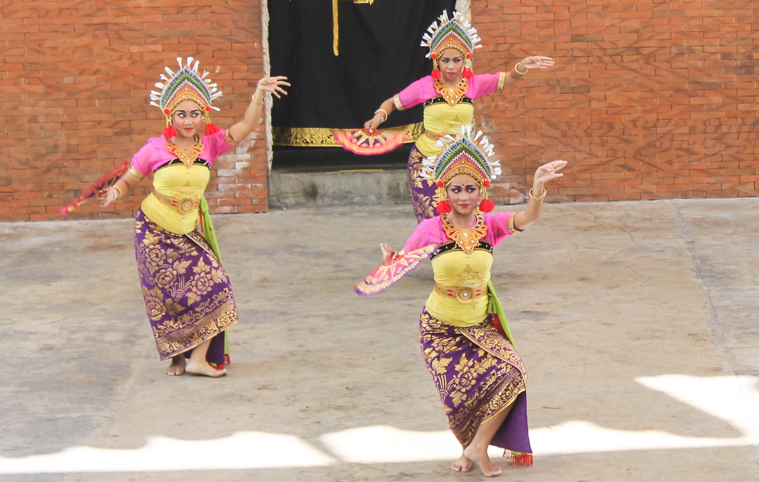 Balinese-Dancers