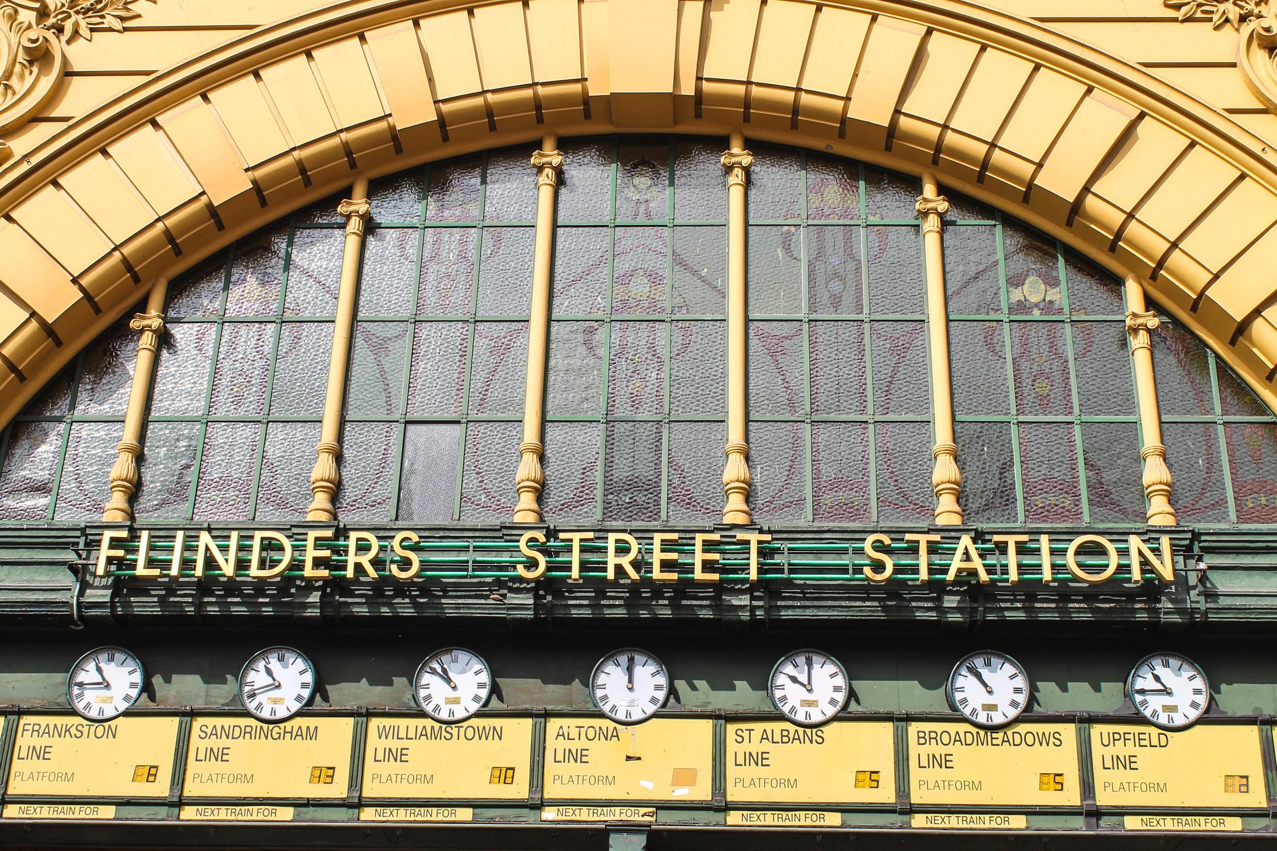 flinders-street-station-sign