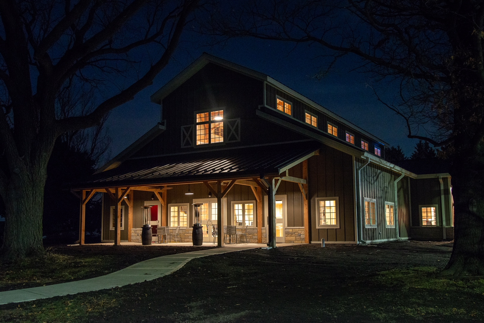 Our new visitor's center is open on Fri./Sat. from 1:30-8:30pm, Sun. 1:30-5:30pm.  On Fri/Sat, tours are given at 2, 4 and 6 PM.  On Sun, tours are given at 2 and 4 PM.