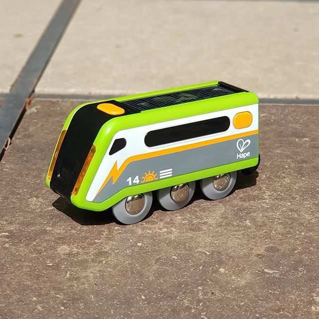 We love all #EVs, especially when they are solar powered! #train #hape
