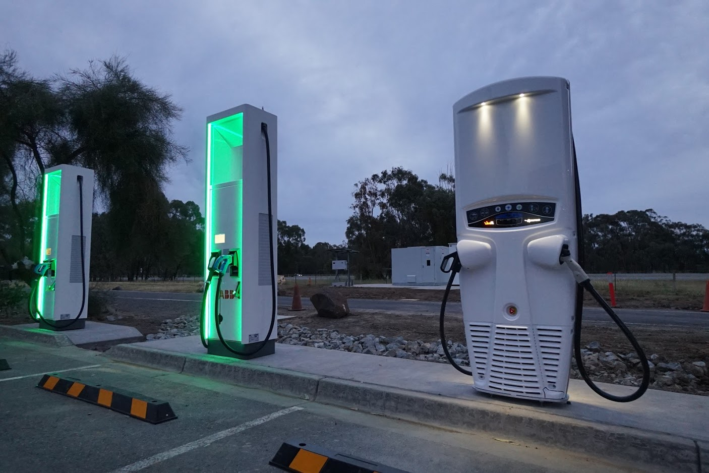 The current system: Chargefox'    ultra-rapid charging network
