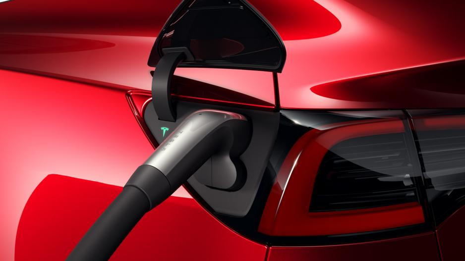 Tesla-Model-3-CCS-fast-charging-charger.jpg