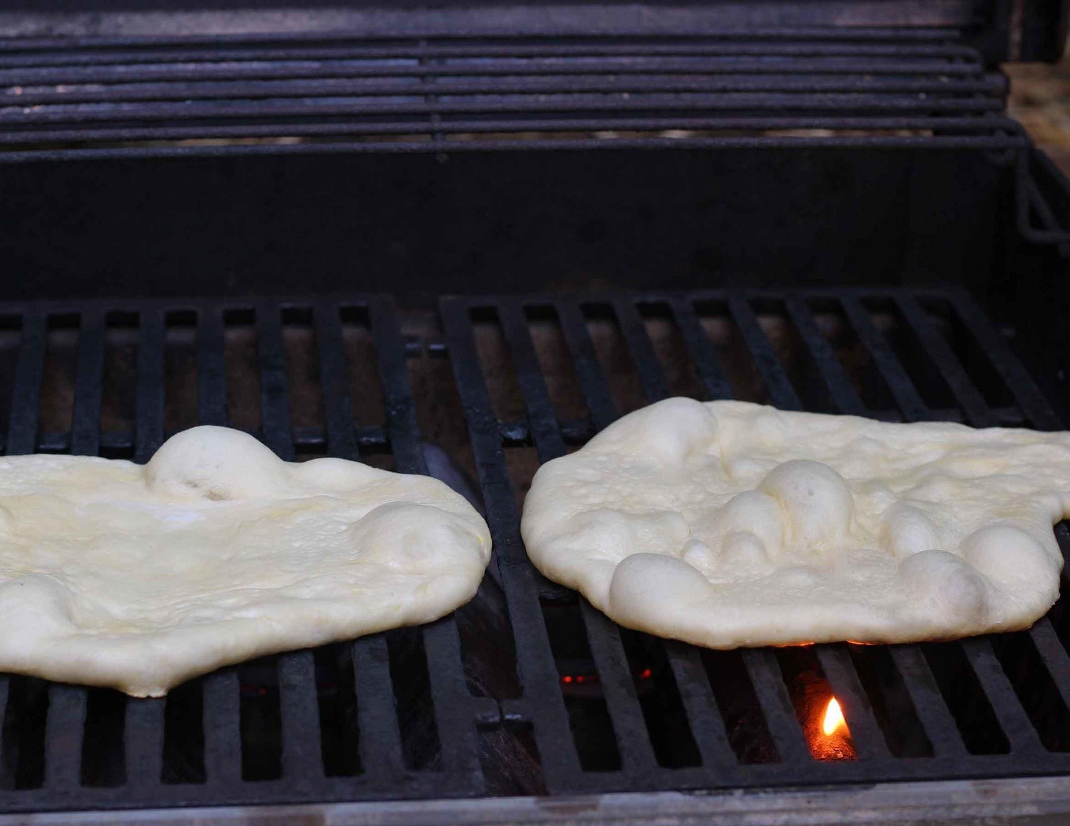 Grilling mini pizza crusts