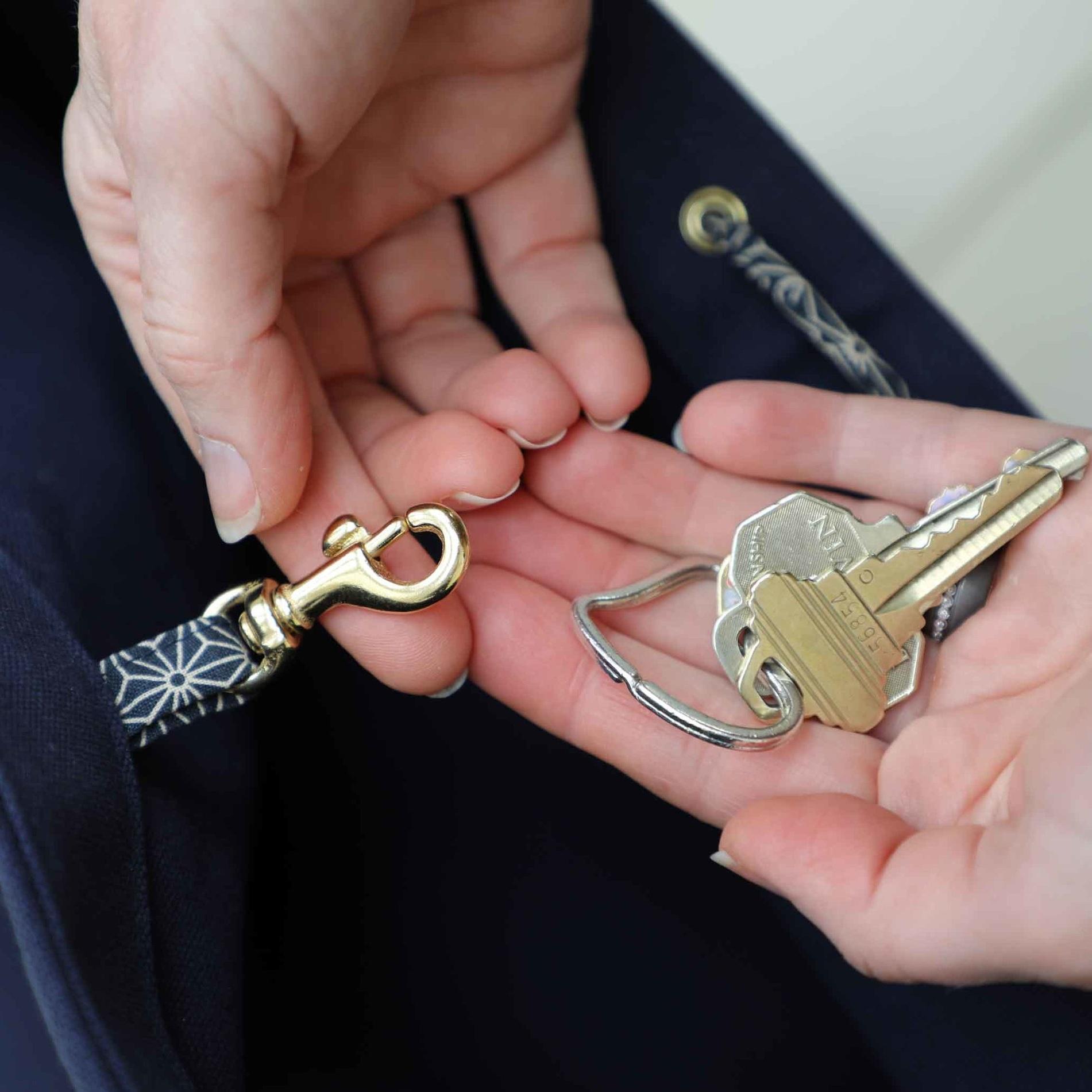Calla-Key-clasp.jpg