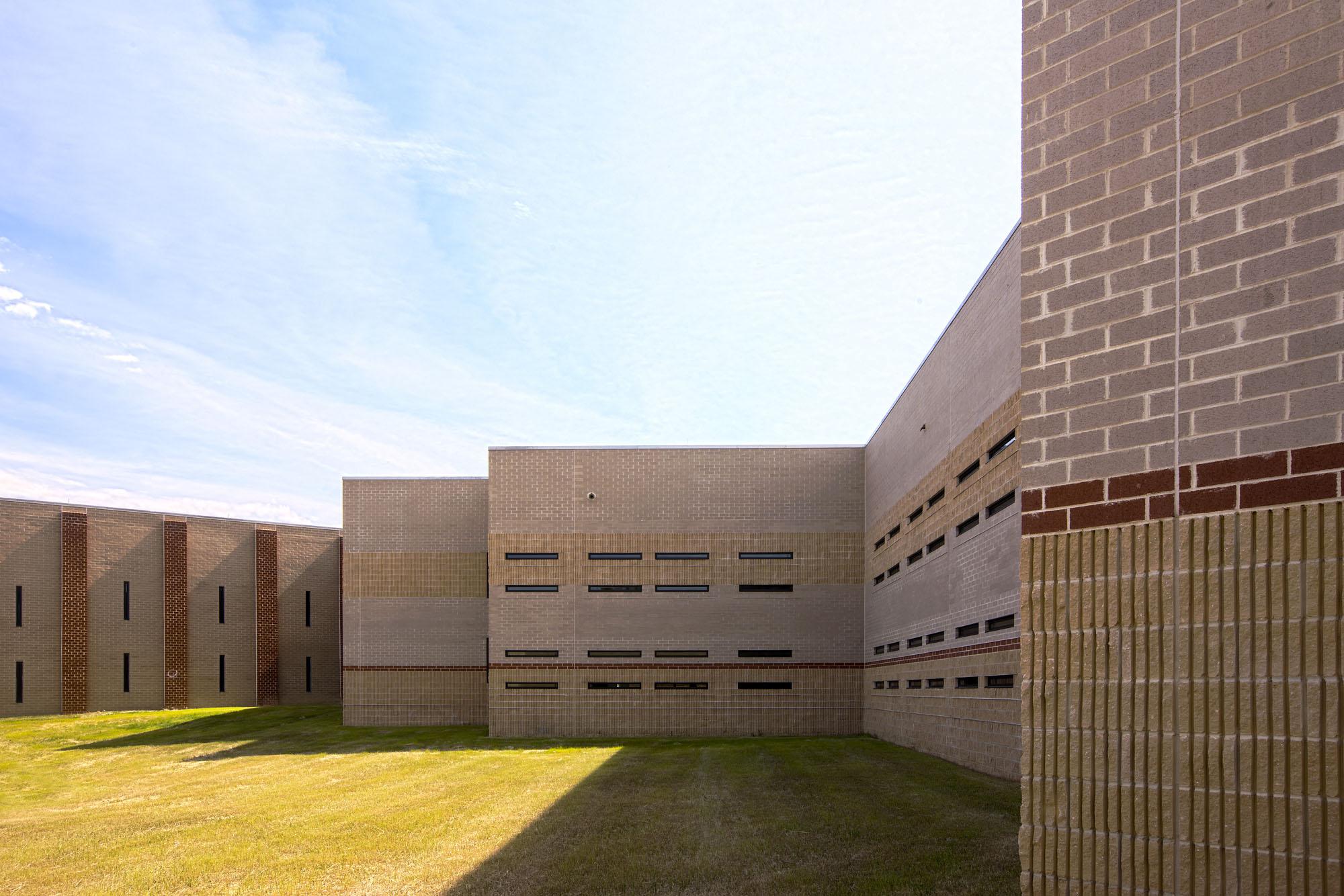 PG County Jail Exterior Image R121201.jpg