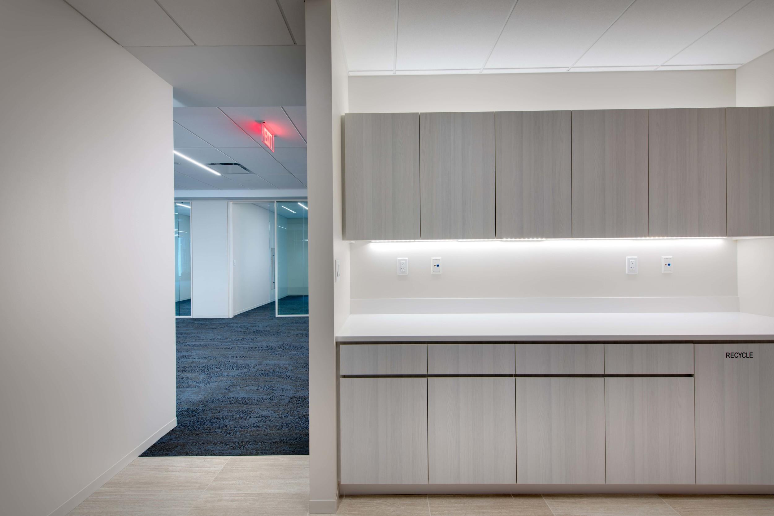 1200 17th Office Suite Interior Image 216425.jpg