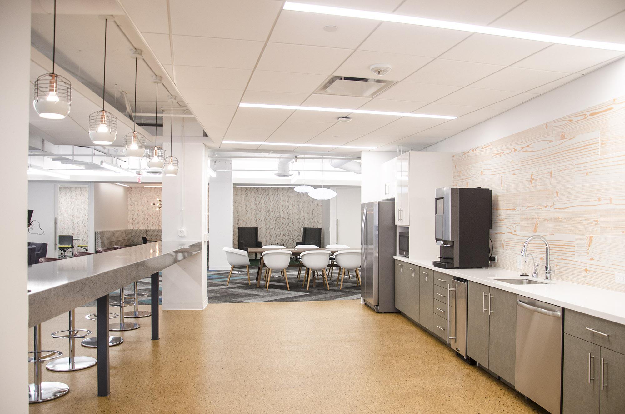 Kitchen & Bar.jpg