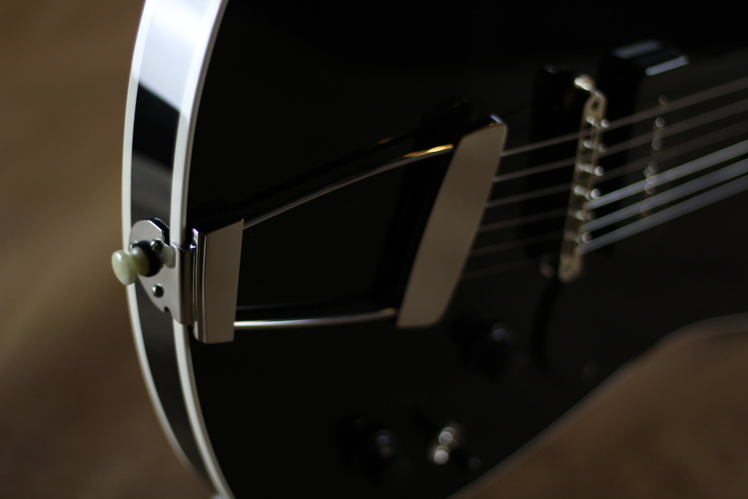 FBGC Floating Tailpiece.JPG