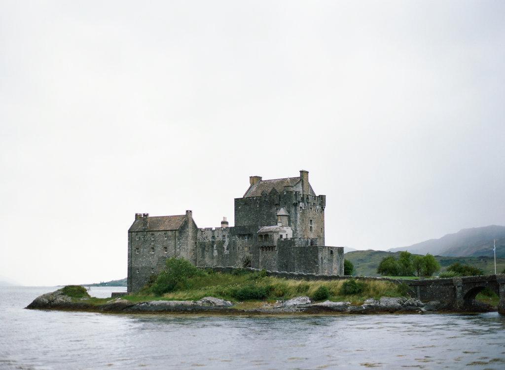 Scotland-Prewedding-highlands-castle-Engagment-Photos-Katie-Grant (3 of 139).jpg