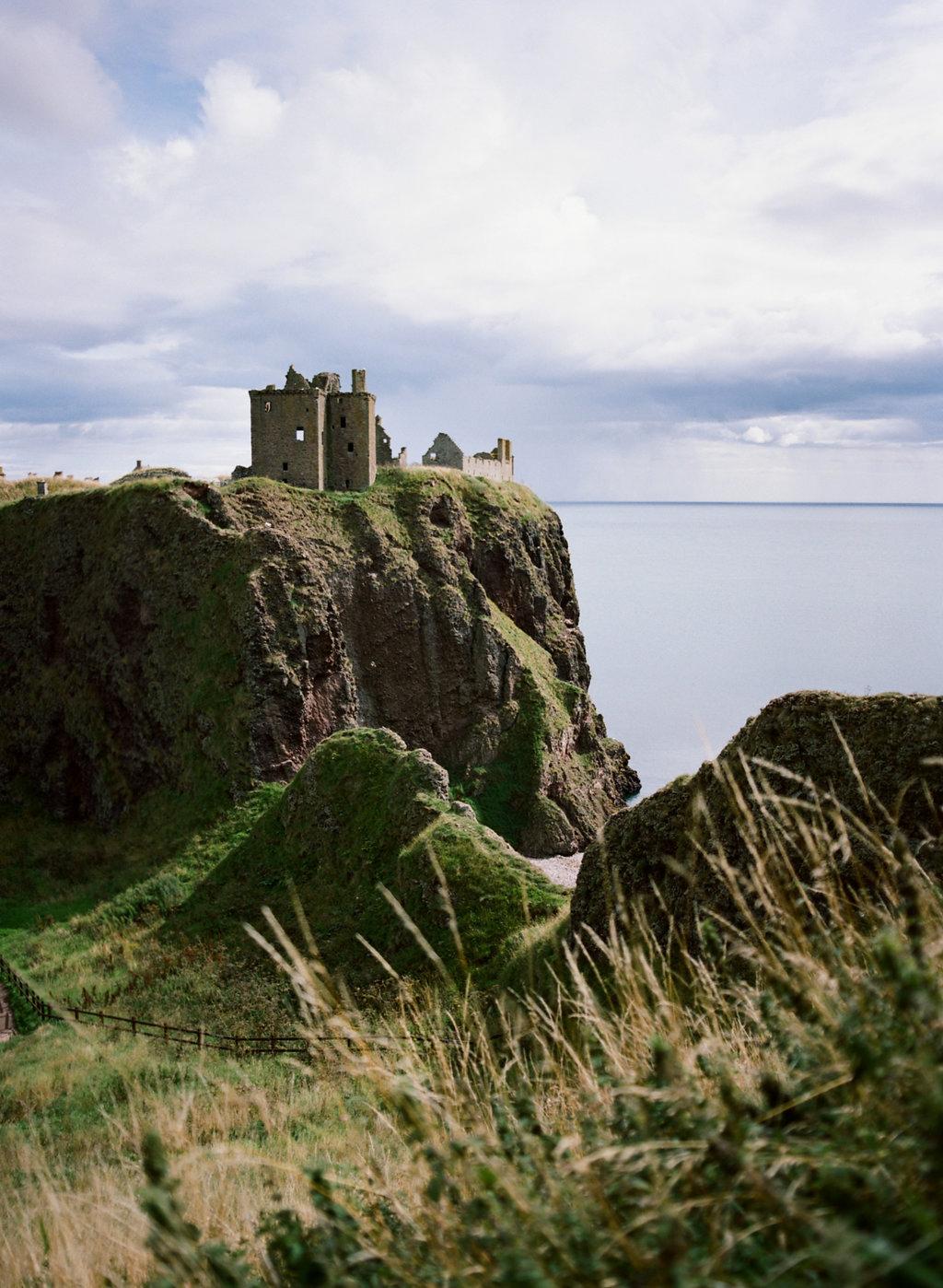 Scotland-Prewedding-highlands-castle-Engagment-Photos-Katie-Grant (80 of 139).jpg