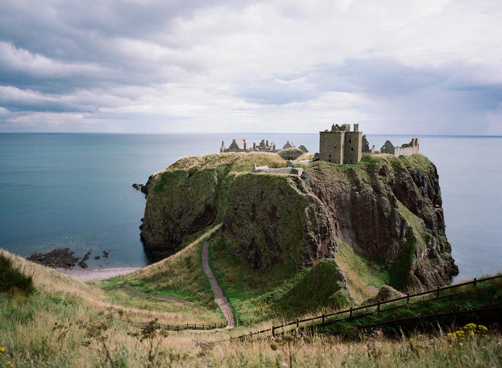 Scotland-Prewedding-highlands-castle-Engagment-Photos-Katie-Grant (83 of 139).jpg