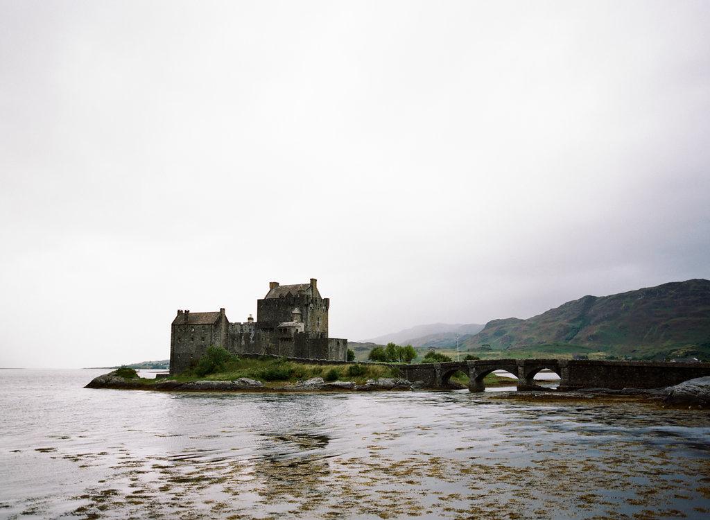 Scotland-Prewedding-highlands-castle-Engagment-Photos-Katie-Grant (121 of 139).jpg