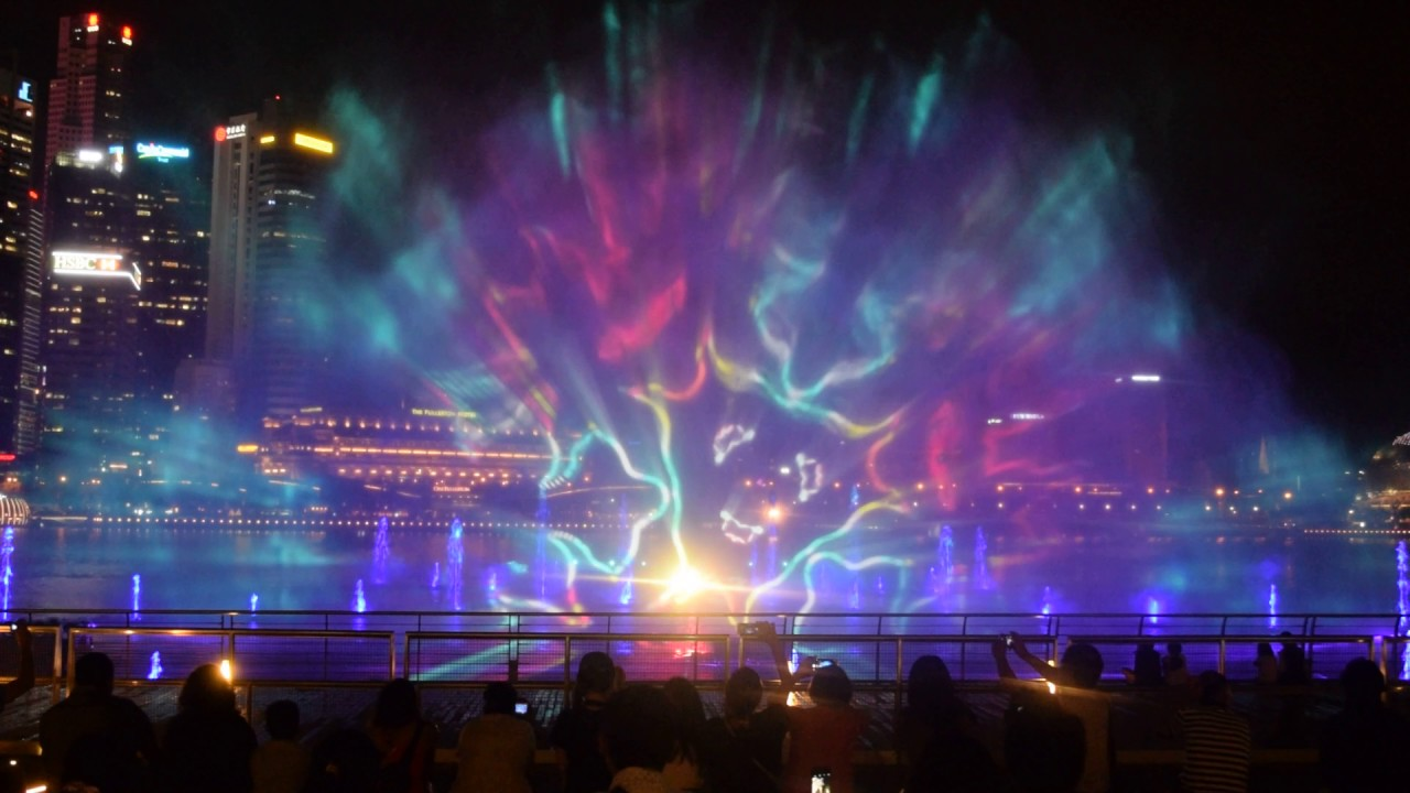 SPECTRA-light-and-water-show.jpg