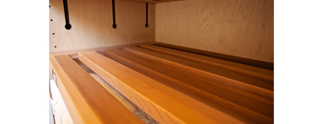 Interior linen - detail ventilation and shelving
