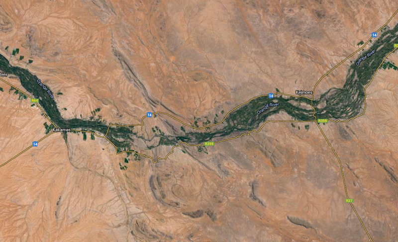 A vein of life in the desert, the Orange River