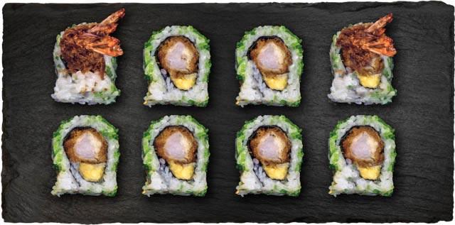 Dybstegt reje, avocado, chilimayo rullet i wasabi tobiko.