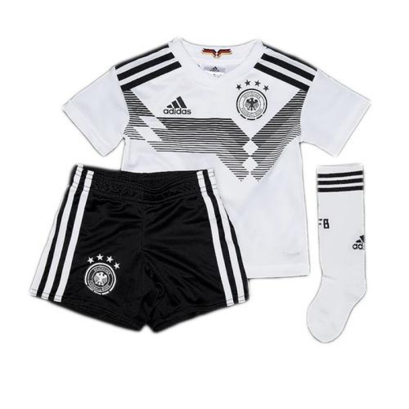 BR7836_GERMANY_HOME_MINI_KIT_2018_01-800x800.jpg