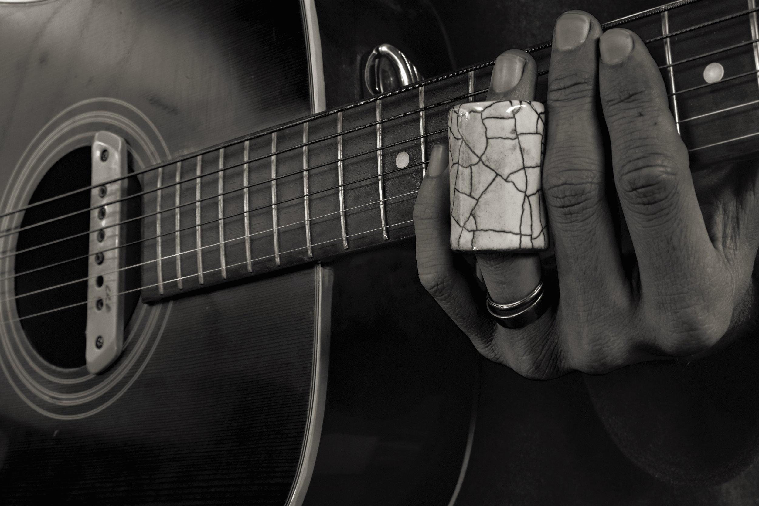 Desert Guitar Slide with Guitar