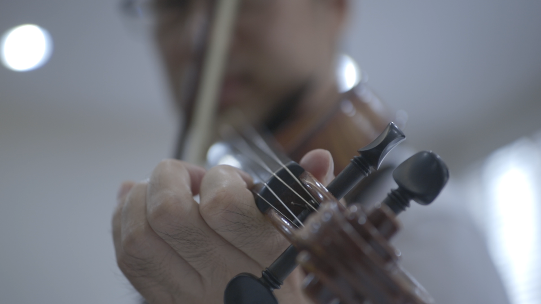Won+violin+practice.png