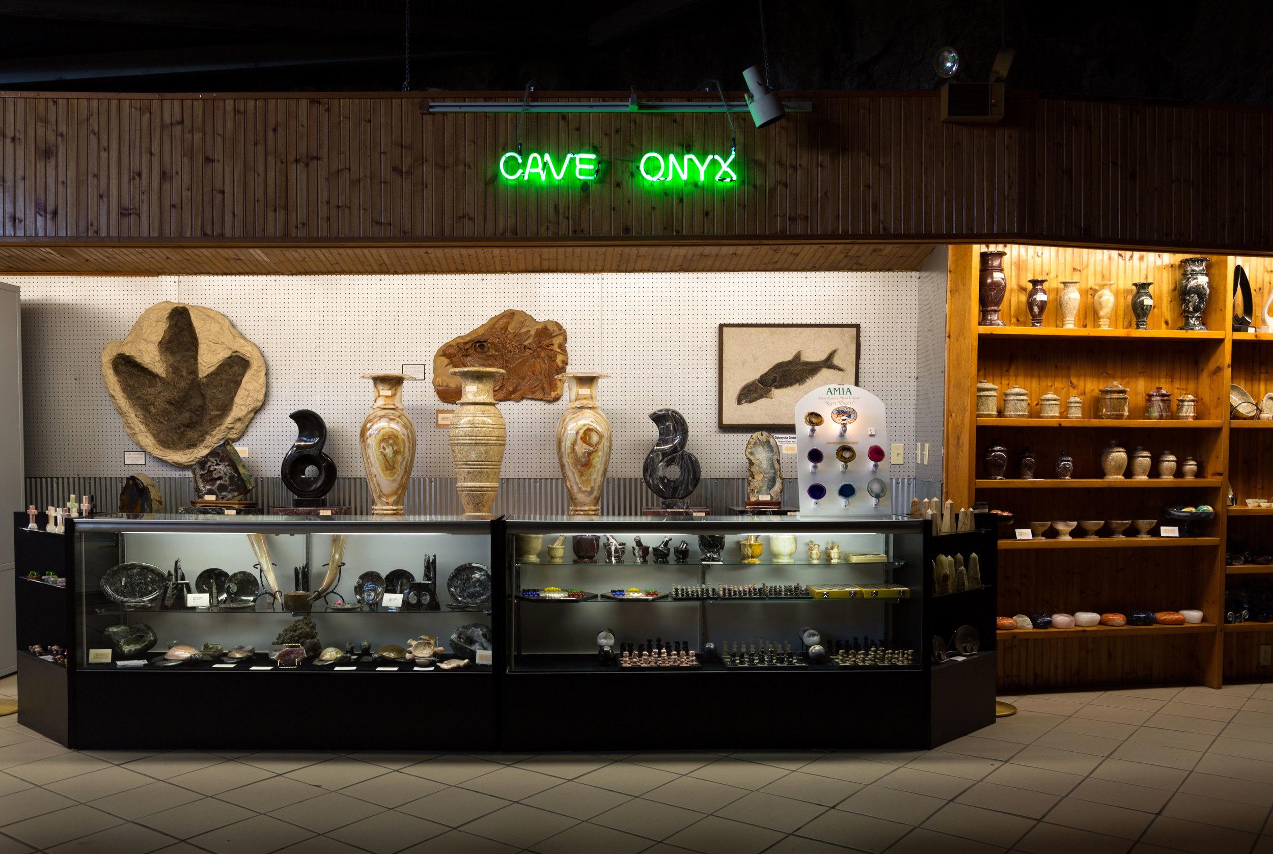 CaveOnyx.jpg