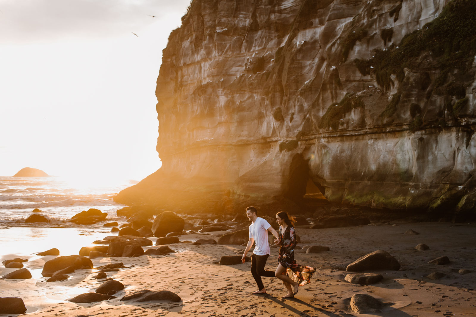 Rebecca + CD | Muriwai Engagement Sessio n
