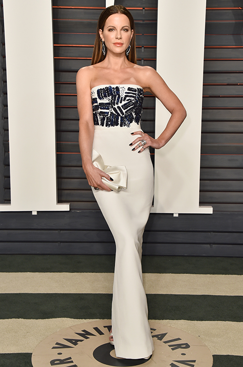 THE TOP 10 RED CARPET LOOKS OF 2016 - #3