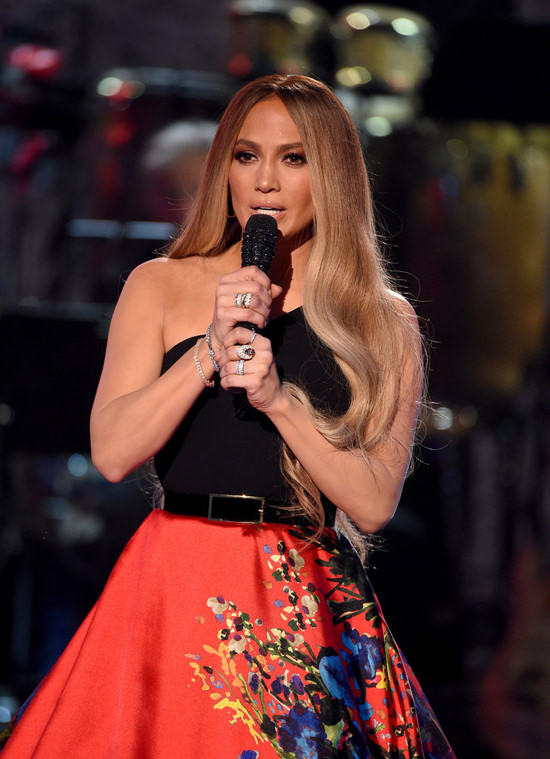 Jennifer-Lopez-One-Voice-Somos-Live-Fashion-Romona-Keveza-Tom-Lorenzo-Site-2.jpg