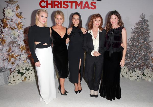 Cheryl+Hines+Kathryn+Hahn+BadMomsPremiere.jpg