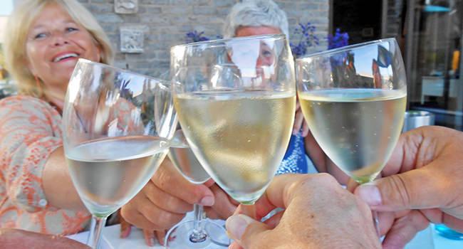 roland-wine.jpg
