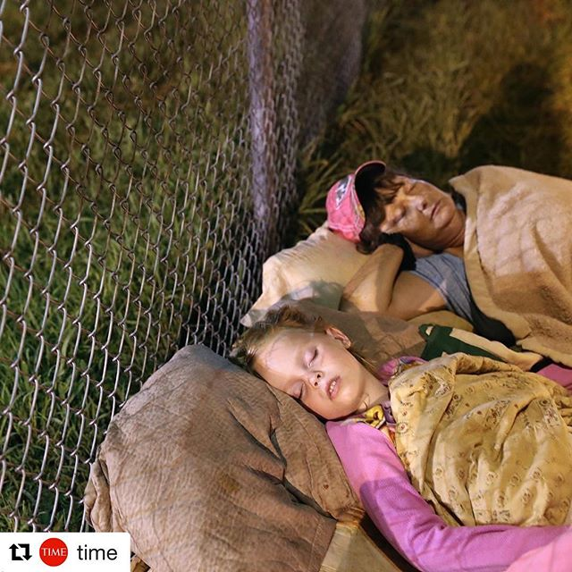 #images4change #health #healthcare #clinic #Appalachia #RemoteAreaMedicalClinic @remoteareamedical #Repost @time // A family sleeps outside as they wait to enter a free clinic in Wise, Va., early on July 22, 2017. Hundreds of Appalachia residents waited through the night for the annual Remote Area Medical clinic—the nation's largest free pop-up clinic—for dental, vision and medical services at the Wise County Fairgrounds in western Virginia. The county is one of the poorest in the state, with high number of unemployed and underinsured residents. ⠀ ⠀ Photograph by John Moore (@jbmoorephoto)—@gettyimages