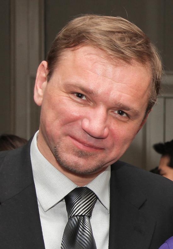 Dr Iulian Fruntasu (Moldova)
