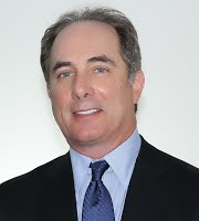 Fred Kardonski   • Por 7 años  Presidente y representante legal de Towerbank International, Inc. Forma parte de la directiva de la Fundación Amador.