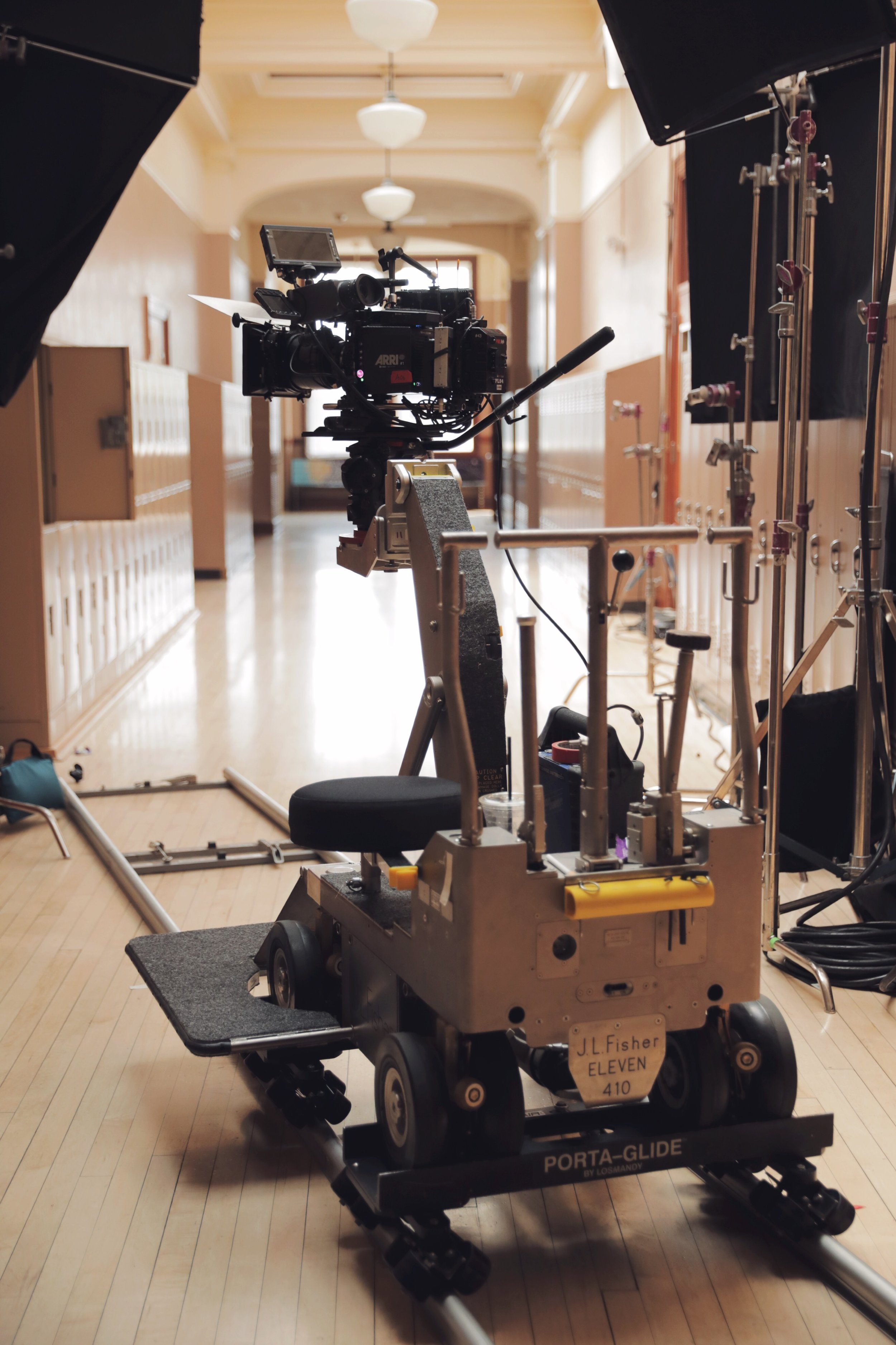 finsher 11 dolly bts.JPG
