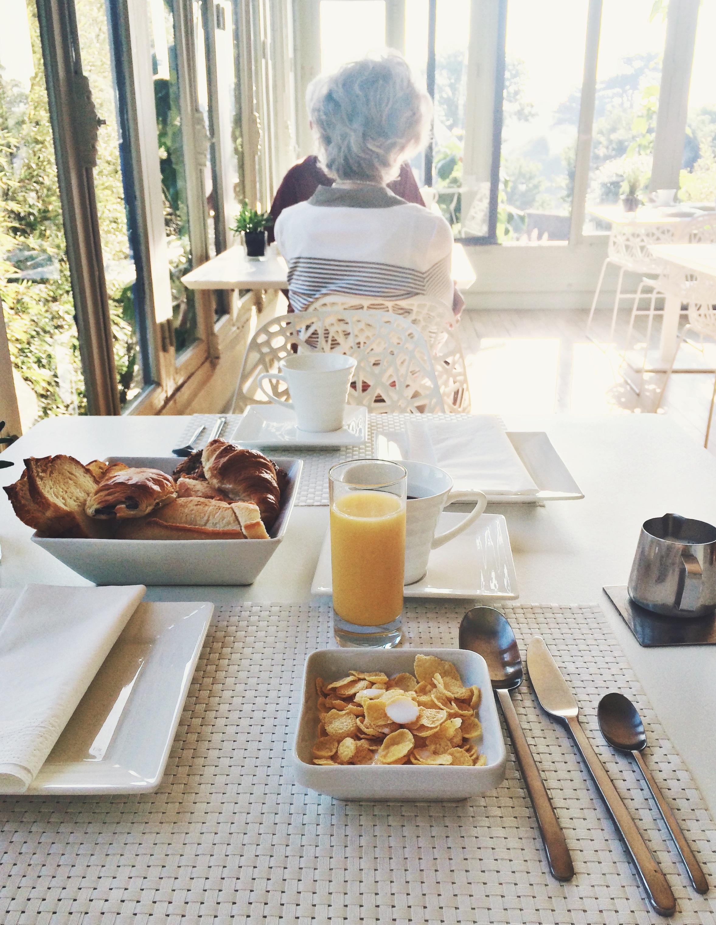 Dreamy breakfast in the dreamy dining room