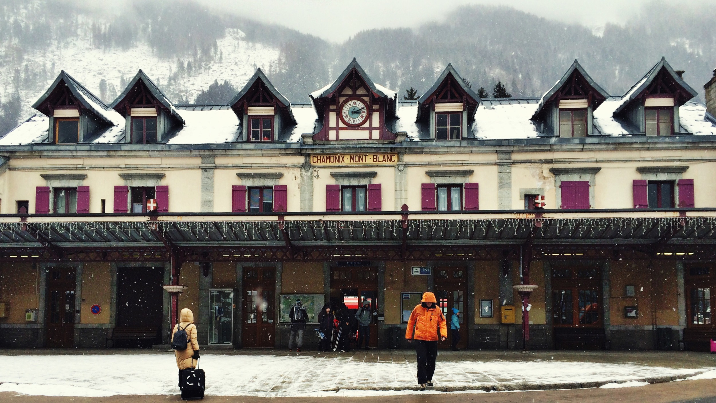 Look at that train station. What a dreamy town.