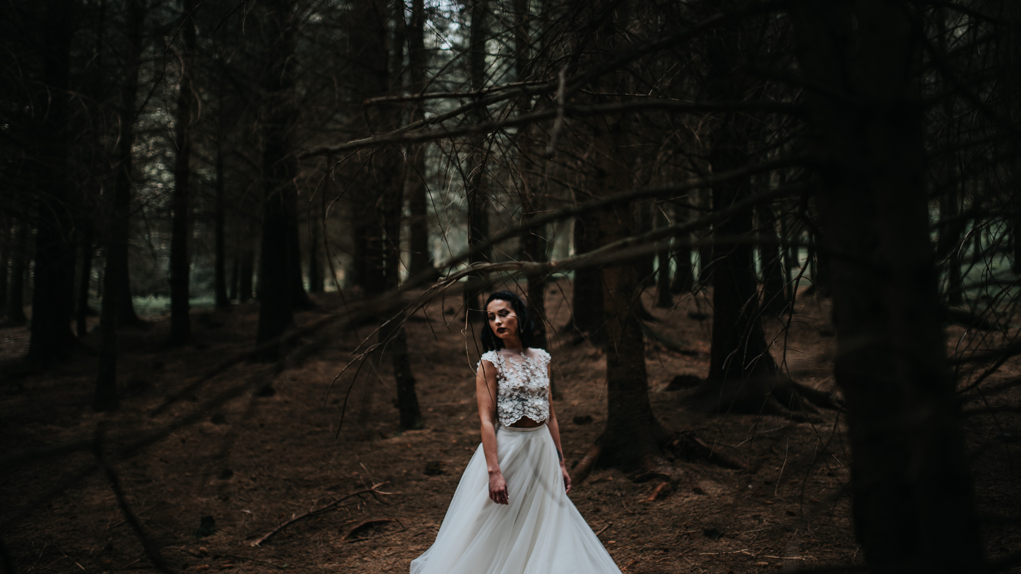 birmingham-wedding-photography-bridal-portraits-two-piece-dress-lace-tulle
