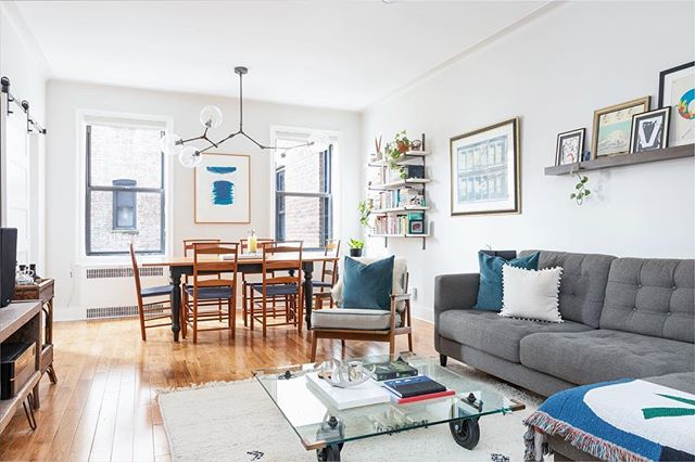 I'm truly grateful my work has been published on on @apartmenttherapy website, ❤️❤️❤️❤️ 🙏🏽🙏🏽🙏🏽🙏🏽 Photography by: @JehovySantiago  T H E  B R O N X  #manhattan #thebigapple #empirestatebuilding #Itravelnyc #newyorker @what_i_Saw_in_nyc #NewYorkLovernyl @new.new.york #newyorkarea #my_newyork @best_newyork_photos #onlinenewyorkn #businesswomen #entrepreneurlife #businessowner #selfemployed #Luxuryrealestate #milliondollarlisting #luxuryrealtor #newyorkrealestate #manhattanrealestate #interiordesign #douglaselliman #onesothbys #THEBRONX #MOTTHAVEN #nyc #newyork #newyorkcity
