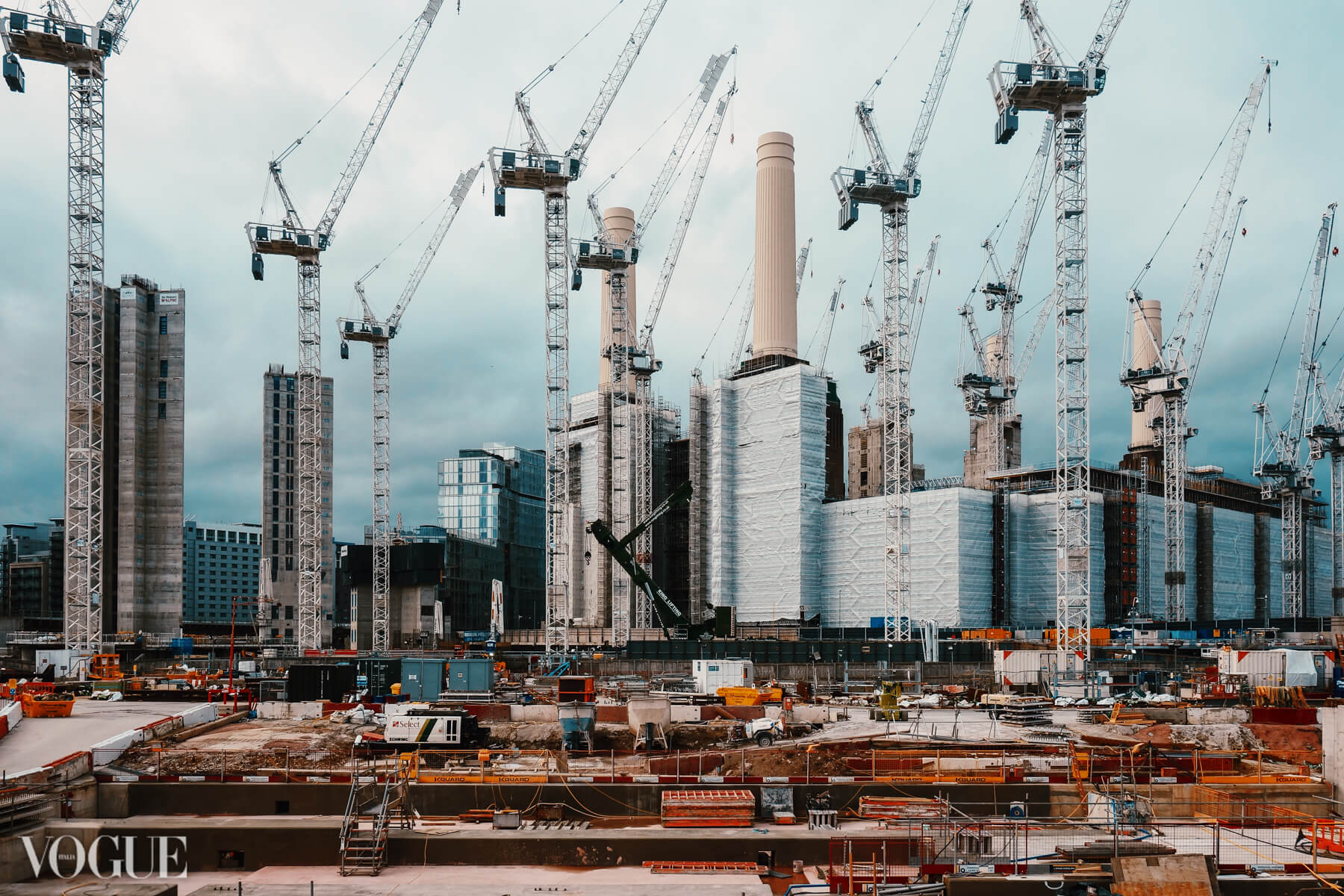 Construction at Battersea Power Station 2019 - the cranes are taking over - like some kind of Science Fiction.