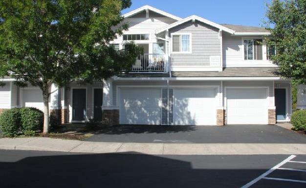 13702 SW Hall Boulevard // $195,000