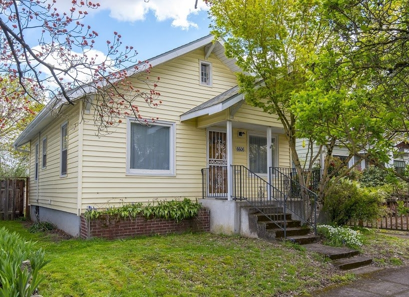 6606 Knowles Ave // $405,000