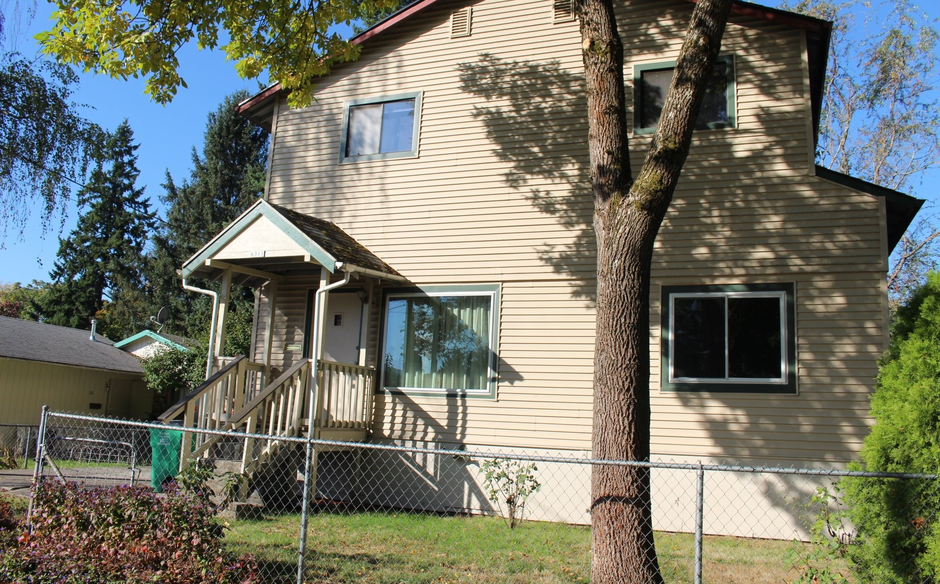 6311 SE 90th Ave // $285,000