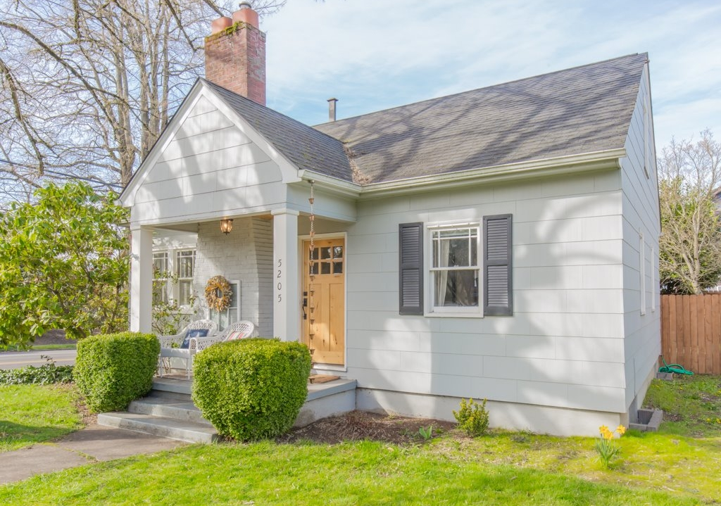 5205 SE Taggart Ct // $422,500