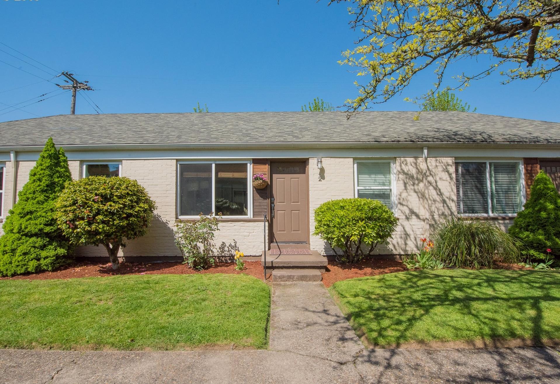 5530 NE 7th Ave // $240,000