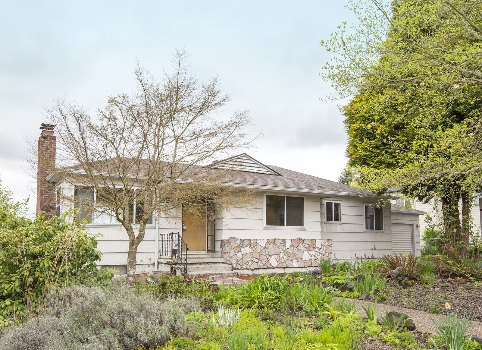 5923 SW 46th Ave // $396,700