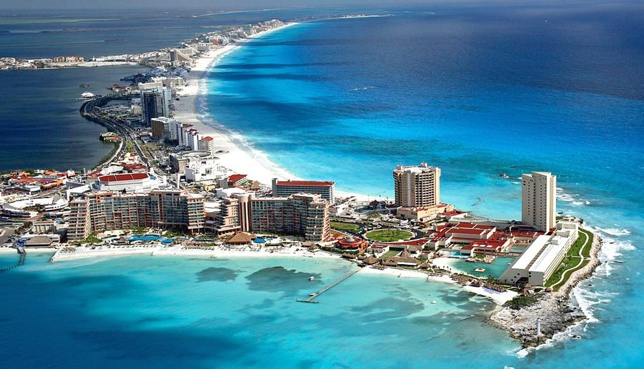 Cancún- birds eye.jpg