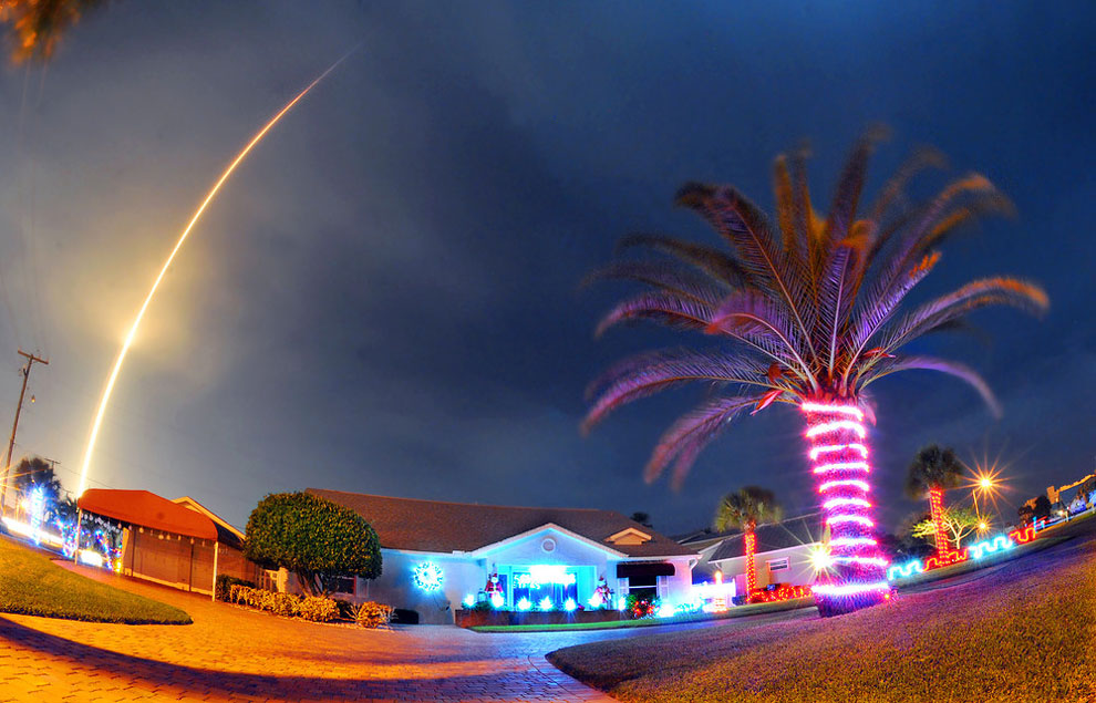 The SpaceX Falcon 9 rocket lifts off over Cocoa Beach, Fla., at Cape Canaveral Air Force Station, Monday, December 21, 2015. The rocket, carrying several communications satellites for Orbcomm, Inc., is the first launch of the rocket since a failed mission to the International Space Station in June. (Photo by Craig Rubadoux/Florida Today via AP Photo)