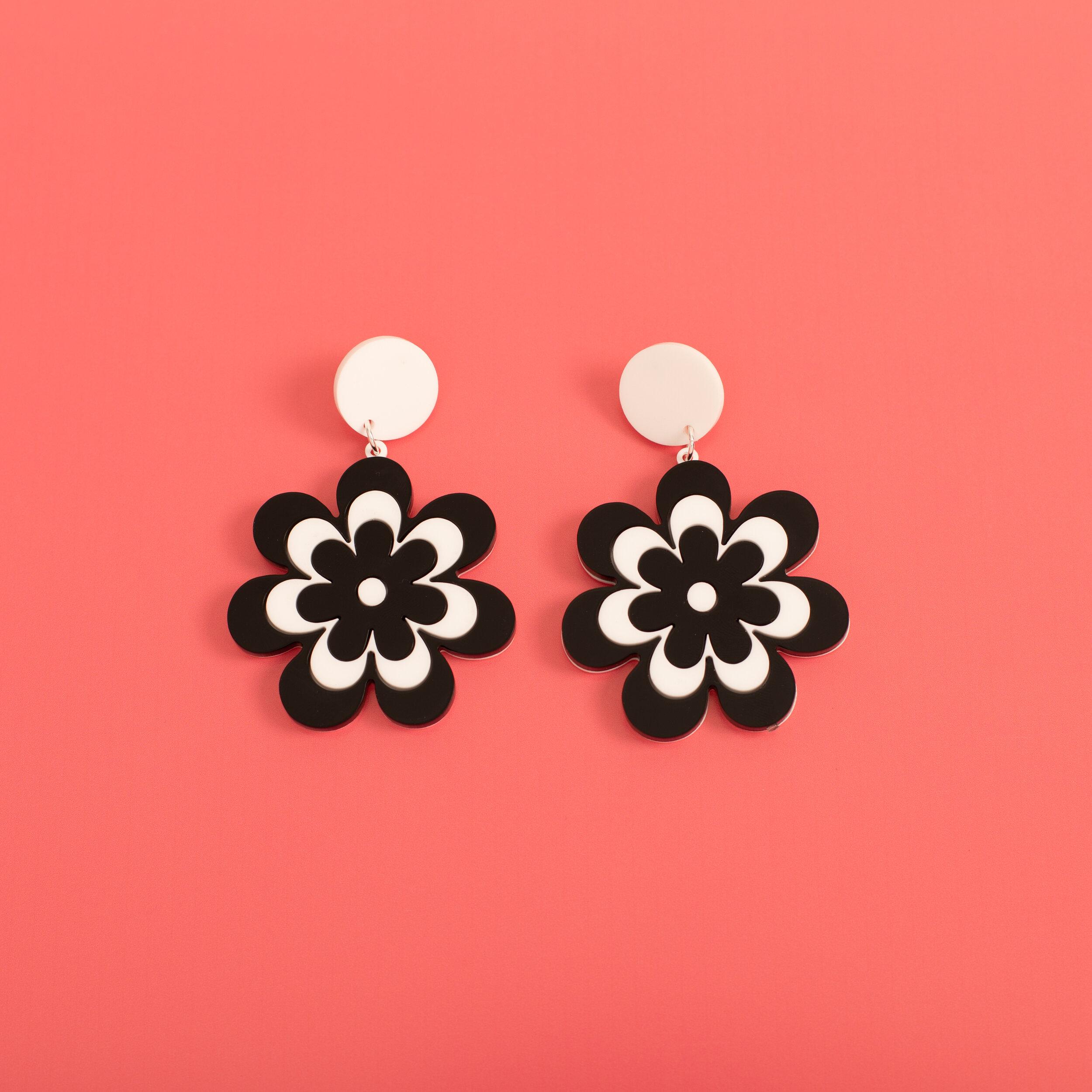 MindFlowers_Candy_Daisy_Black_White_Stud_Earrings.jpg