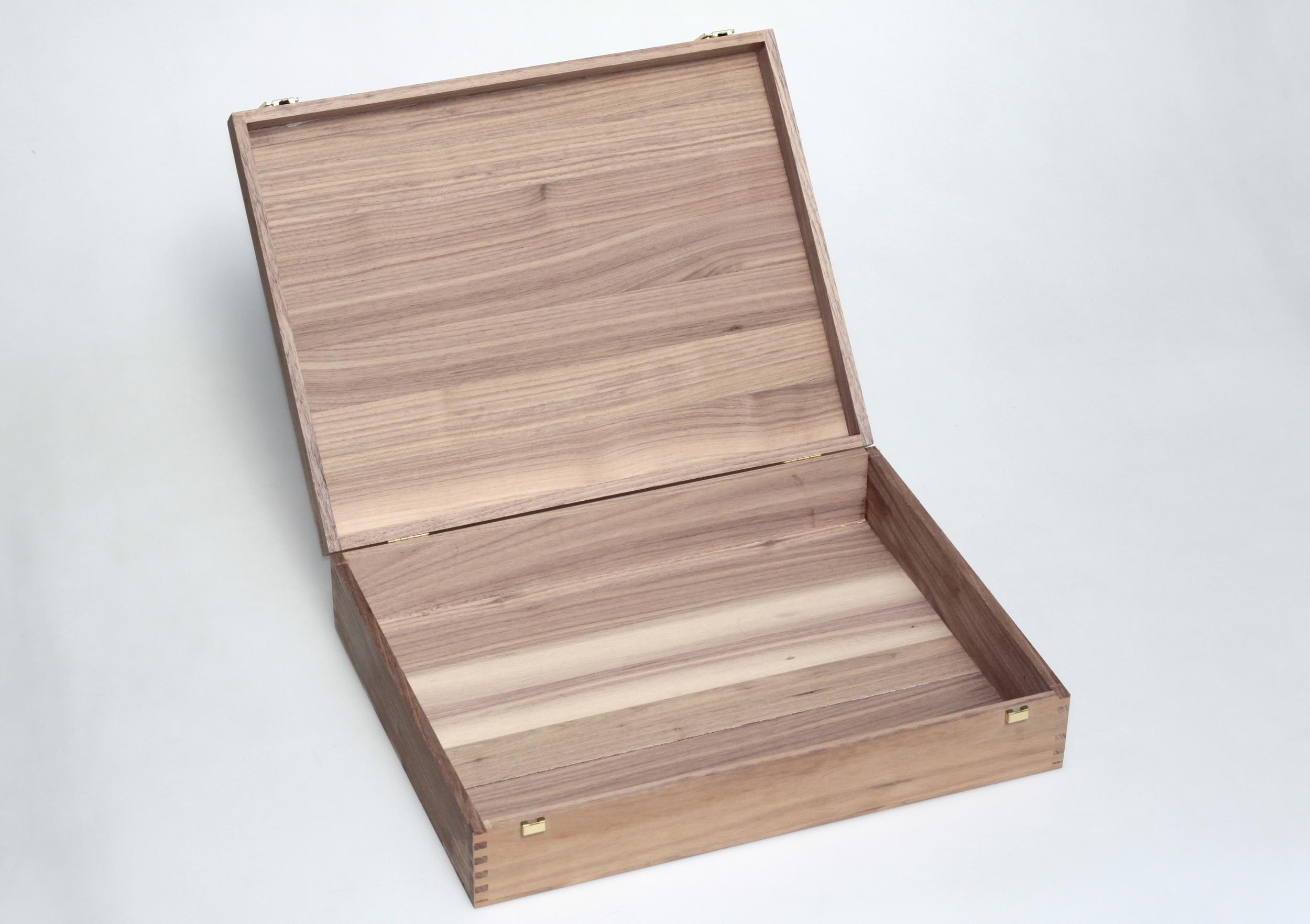 Holzkassette aus Nuss